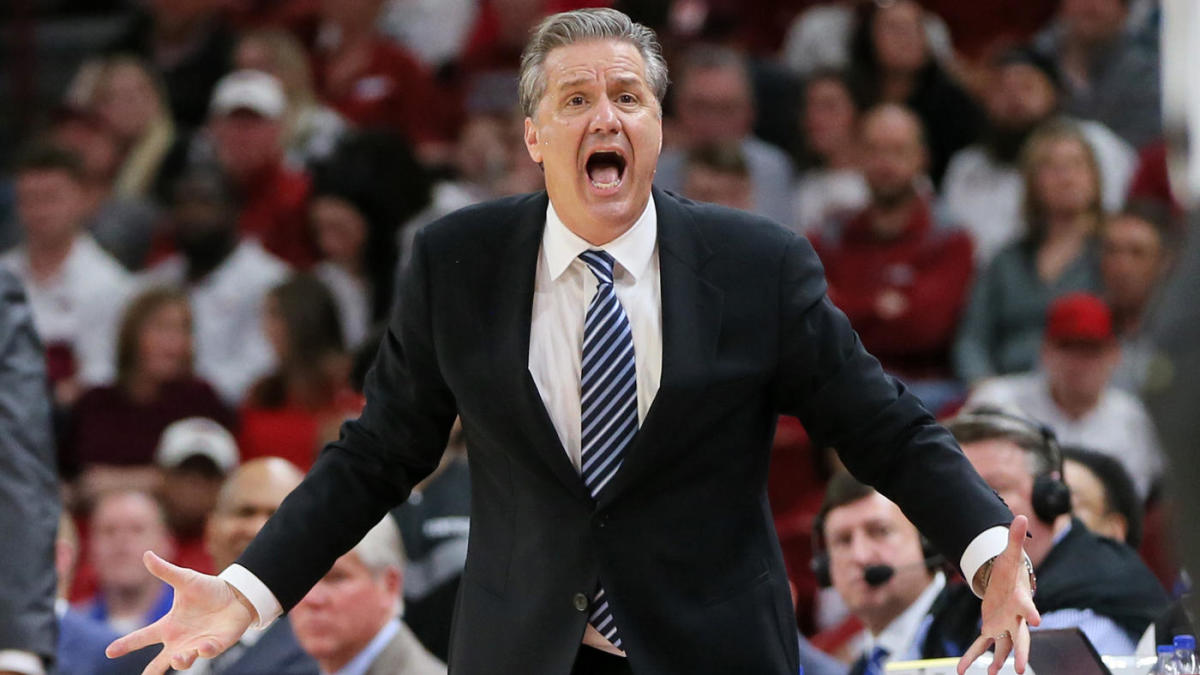 WATCH: Kentucky coach John Calipari gets two technicals and is ejected from Wildcats' victory at Arkansas