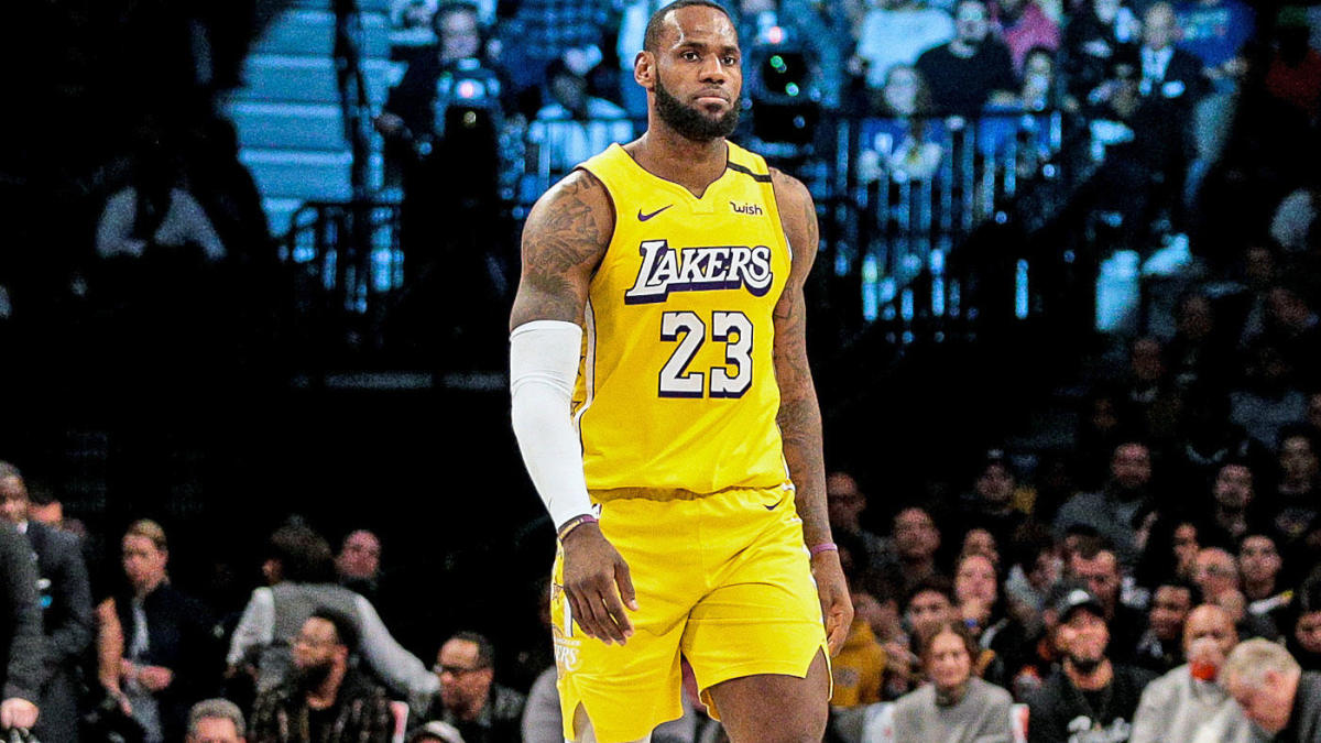 Lakers treating LeBron James' sore left groin with caution thanks to enormous lead in the standings