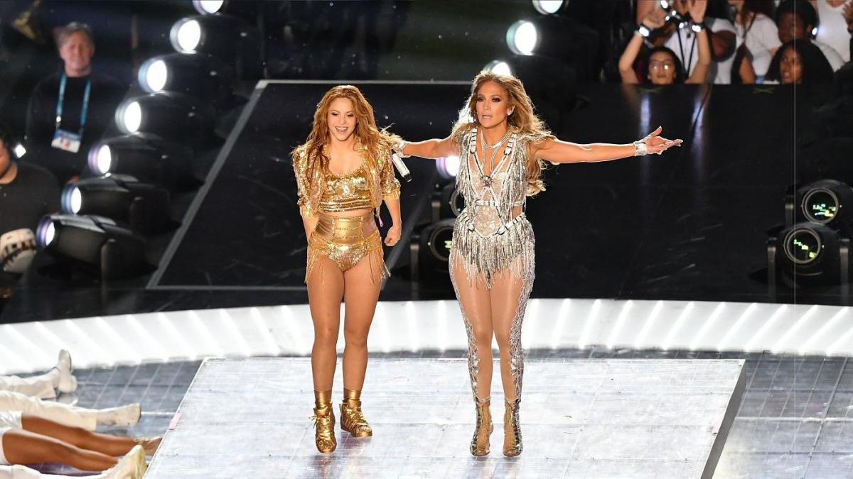 Super Bowl 2020 Halftime Show Review Jennifer Lopez And Shakira Bring A Big Performance To Miami Cbssports Com