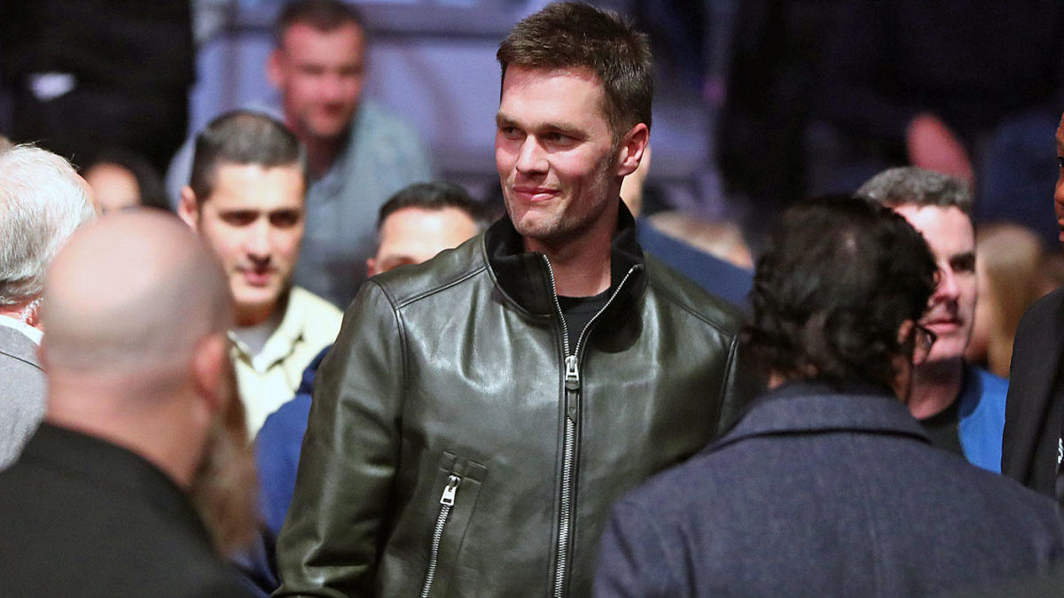 Tom Brady won't even give hints to Ben Affleck and Matt Damon about what his plans are for free agency
