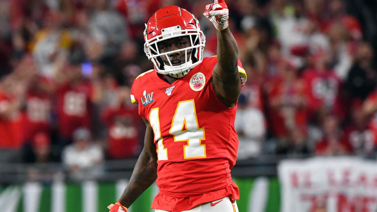 Sammy Watkins restructures contract to remain with reigning champion Chiefs, per report