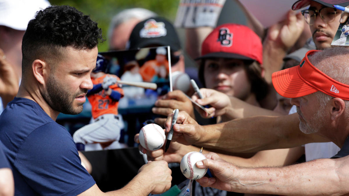 Astros sit regulars in first spring training game since sign-stealing scandal
