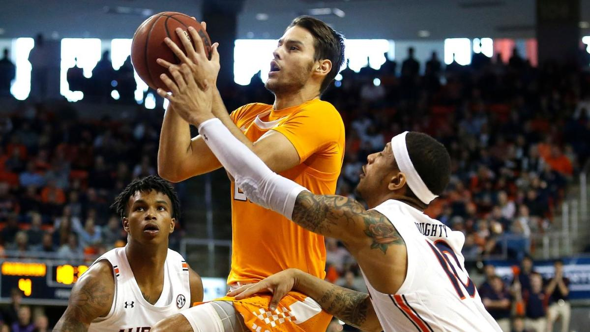 Auburn student ejected after taunting Tennessee player, is banned from arena, faces disciplinary hearing