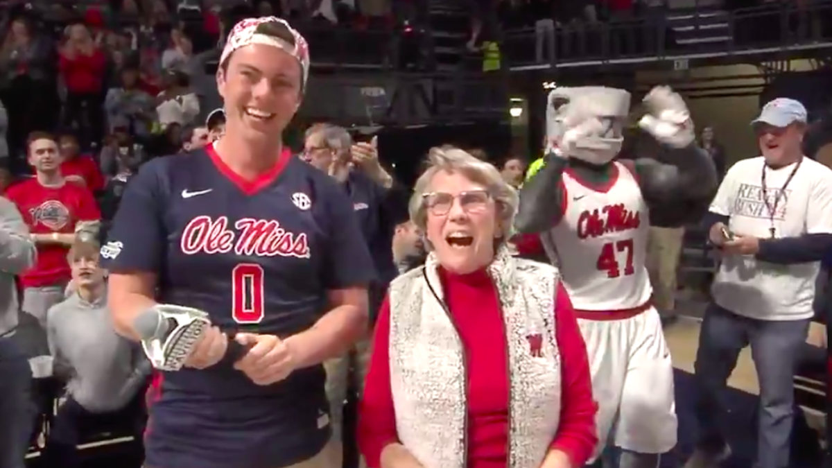 WATCH: 84-year-old Ole Miss fan drains 94-foot putt to win new car at Rebels basketball game