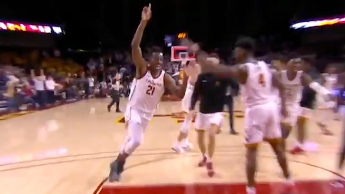 USC freshman Onyeka Okongwu hits incredibly deep buzzer-beater before halftime vs. Arizona