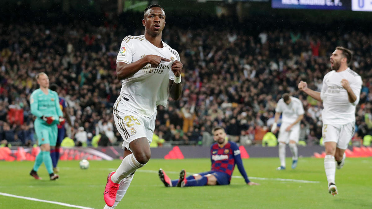 Real Madrid vs. Barcelona score: Vinicius Junior, Mariano decide El Clasico as Real goes atop of La Liga table - CBSSports.com