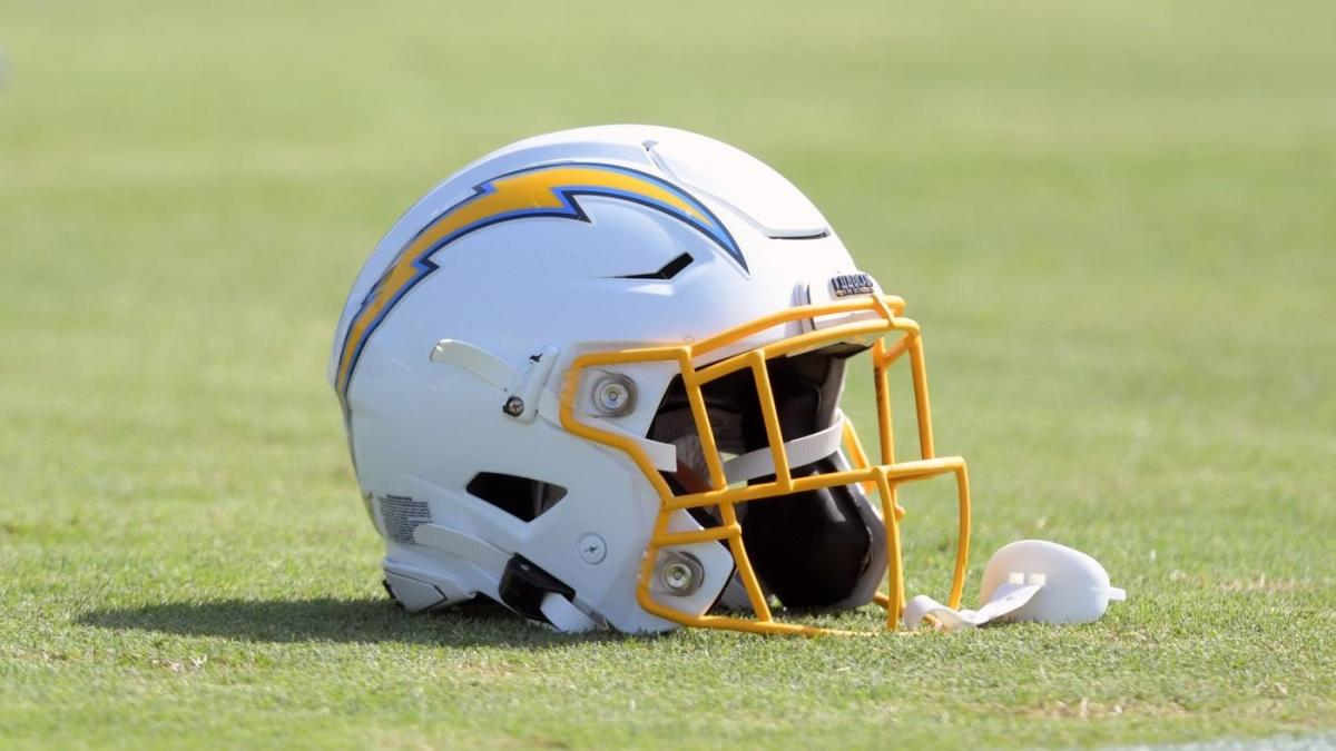 Chargers unveil new logo in a surprise move, with new uniforms coming in  April - CBSSports.com