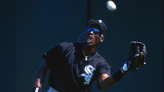 michael-jordan-baseball.jpg