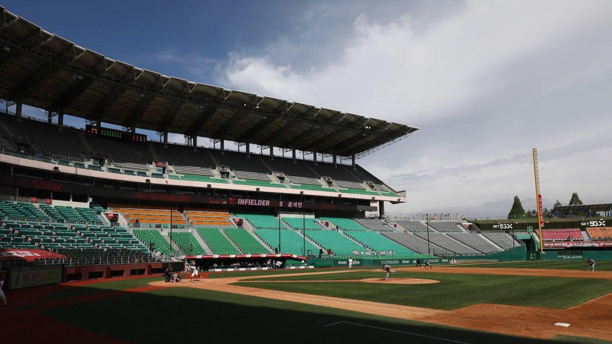 Third base line baseball betting tricast betting rules holdem