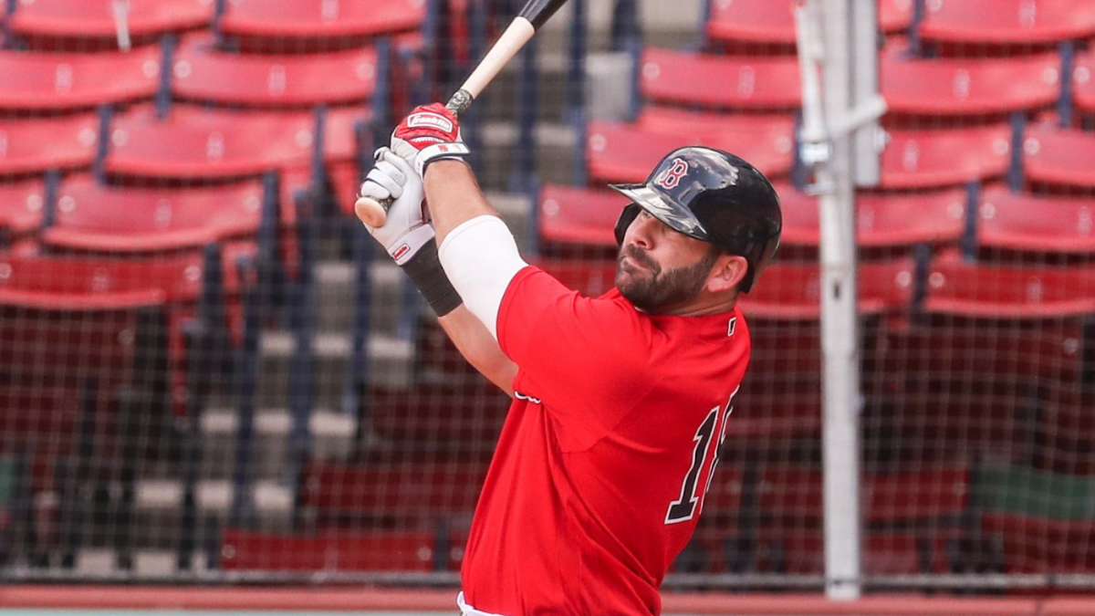 Padres keep adding at MLB trade deadline; acquire Red Sox's Mitch Moreland, Angels' Jason Castro
