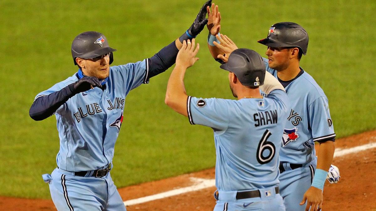Blue Jays use 10-run sixth inning to take series opener over Yankees thumbnail