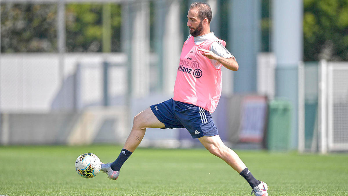 Gonzalo Higuain Officially Joins Inter Miami Ex Juventus Striker Heads To Mls As Designated Player Signing Cbssports Com
