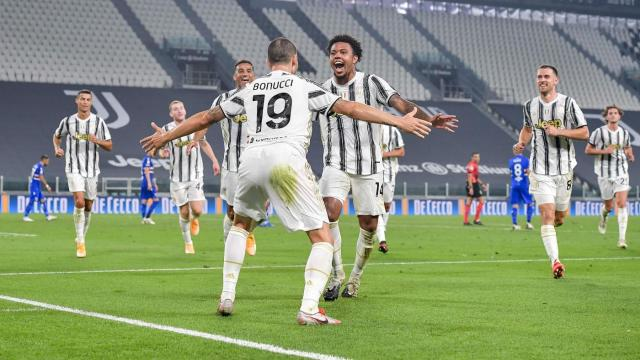 Weston Mckennie Starts In Juventus Debut As Italian Giants Roll In Serie A Opener Cbssports Com