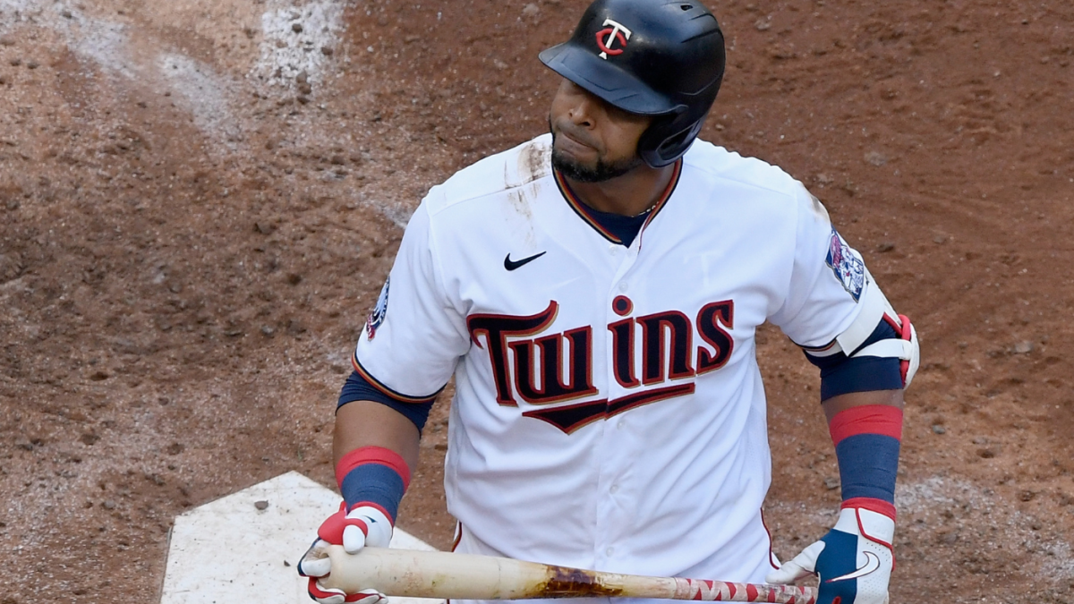 Twins' record postseason losing streak hits 17 as Minnesota throws away Game 1 vs. Astros in Wild Card Series – CBS Sports