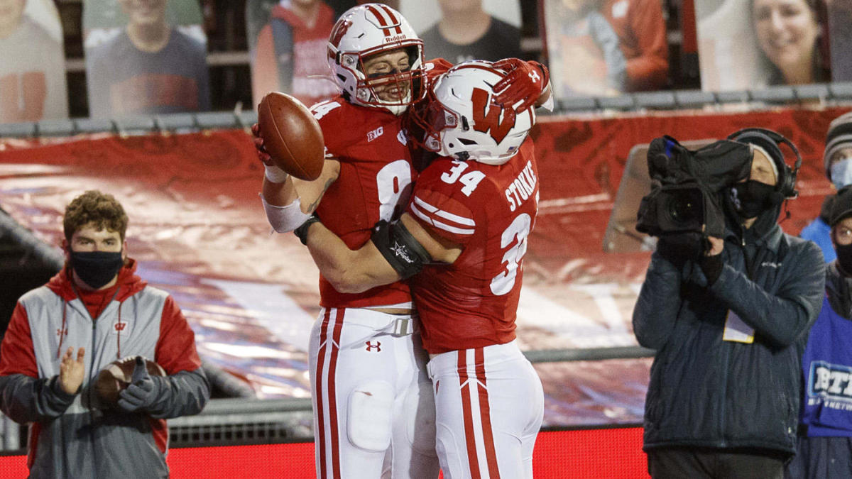 Coaches Poll top 25: Wisconsin, Michigan, Indiana make big jumps in college football rankings