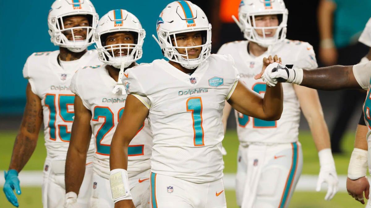 NFL Week 8 odds, picks: Rams spoil Tua Tagovailoa's debut, Tom Brady clears double-digit spread vs. Giants