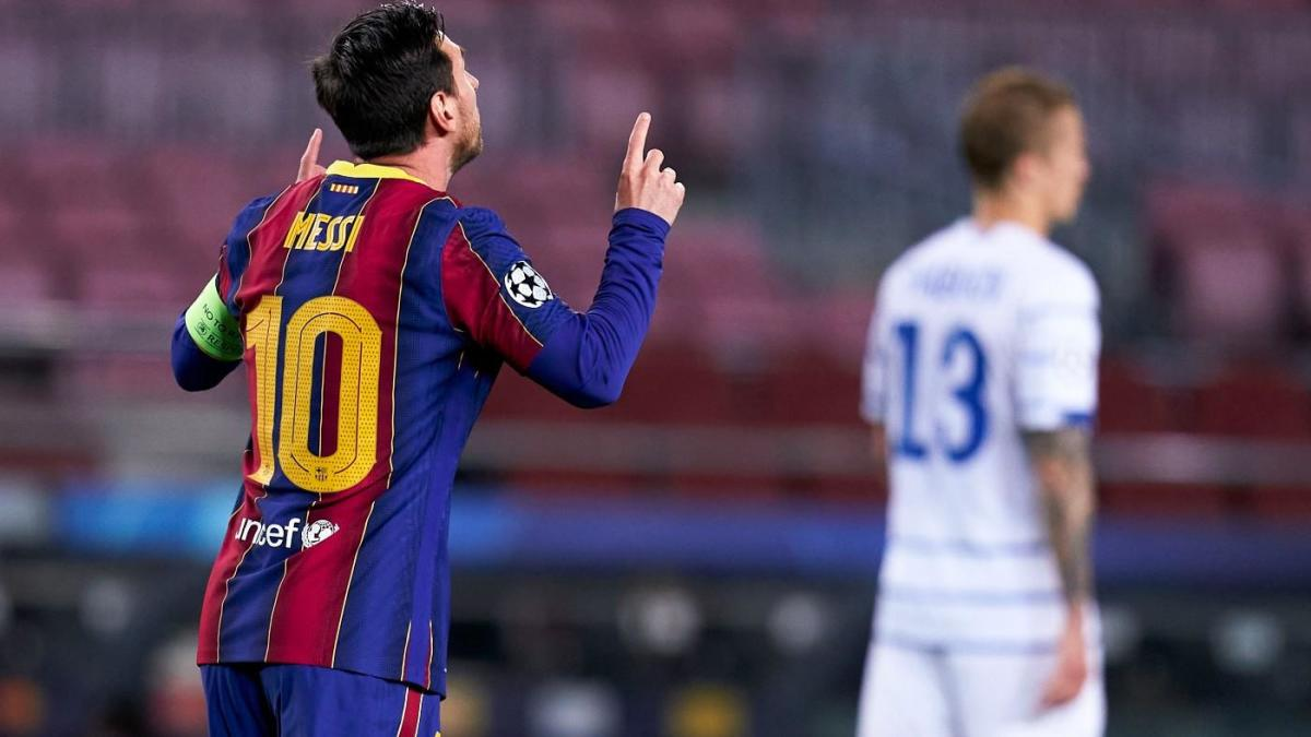 barcelona vs dynamo kiev score messi and company fortify lead atop champions league group cbssports com barcelona vs dynamo kiev score messi