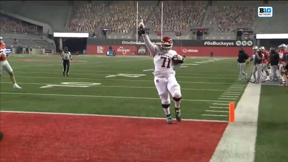 WATCH: Rutgers offensive lineman scores touchdown on trick play against Ohio State