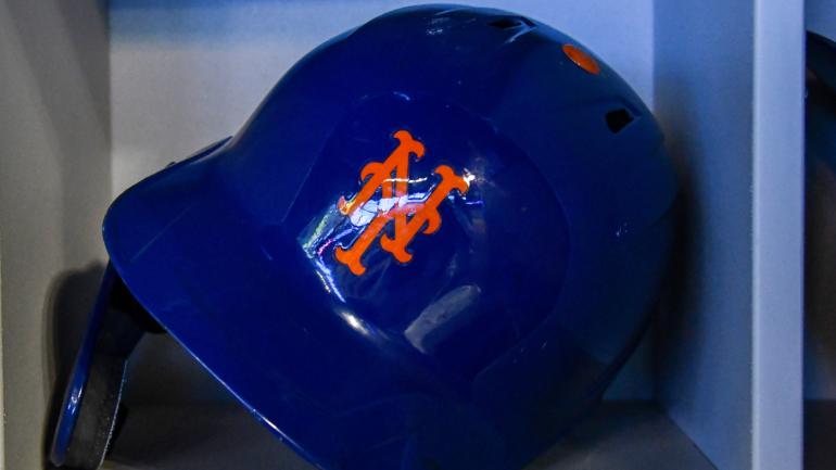 mets-helmet-logo.png