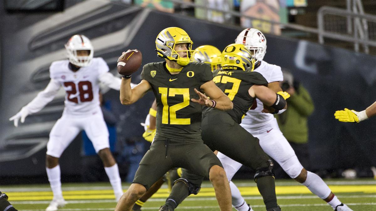 Oregon starting QB Tyler Shough entering transfer portal with three years of eligibility remaining - CBS Sports