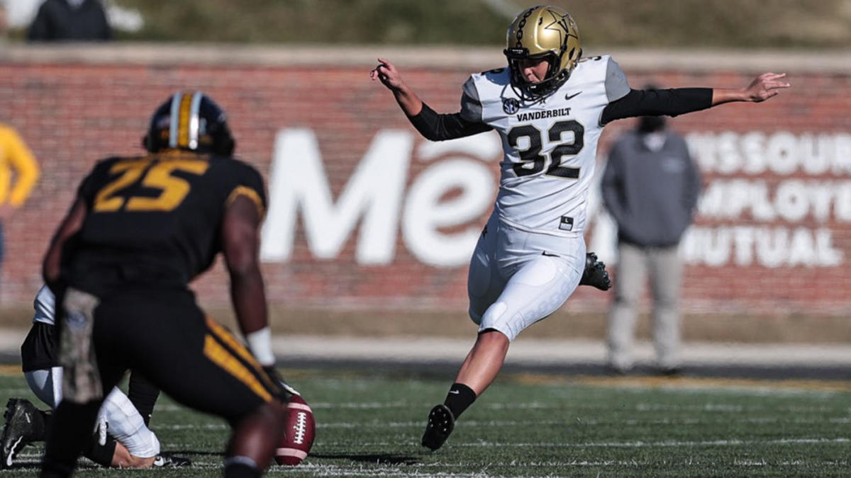 Vanderbilt kicker Sarah Fuller makes history as first woman to play in a Power Five college football game