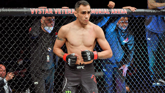 UFC 262 fight card: Top lightweights Tony Ferguson and Beneil Dariush to meet on May 15, per report - CBSSports.com