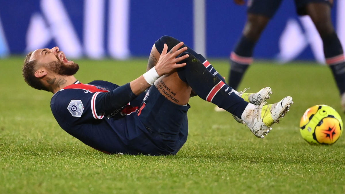 Neymar injury: PSG star carried off pitch after rolling ankle in Ligue 1  loss vs. Lyon - CBSSports.com