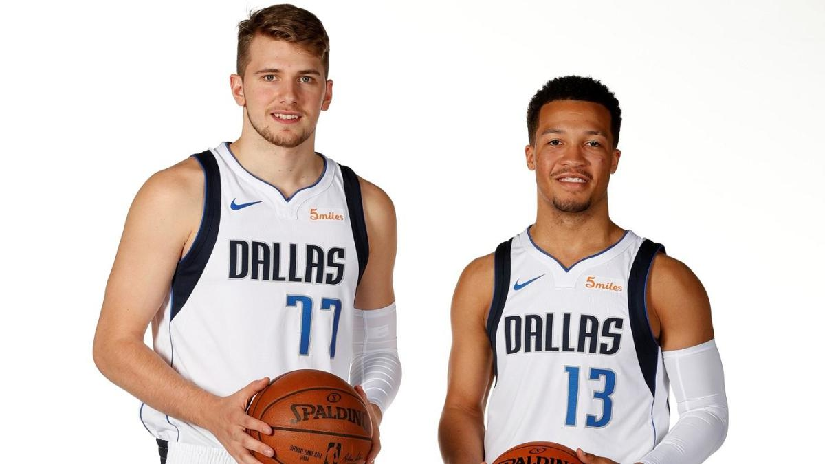LOOK: Mavs' Jalen Brunson wears 'Luka's Son' Cowboys jersey after losing FIFA bet to All-Star teammate