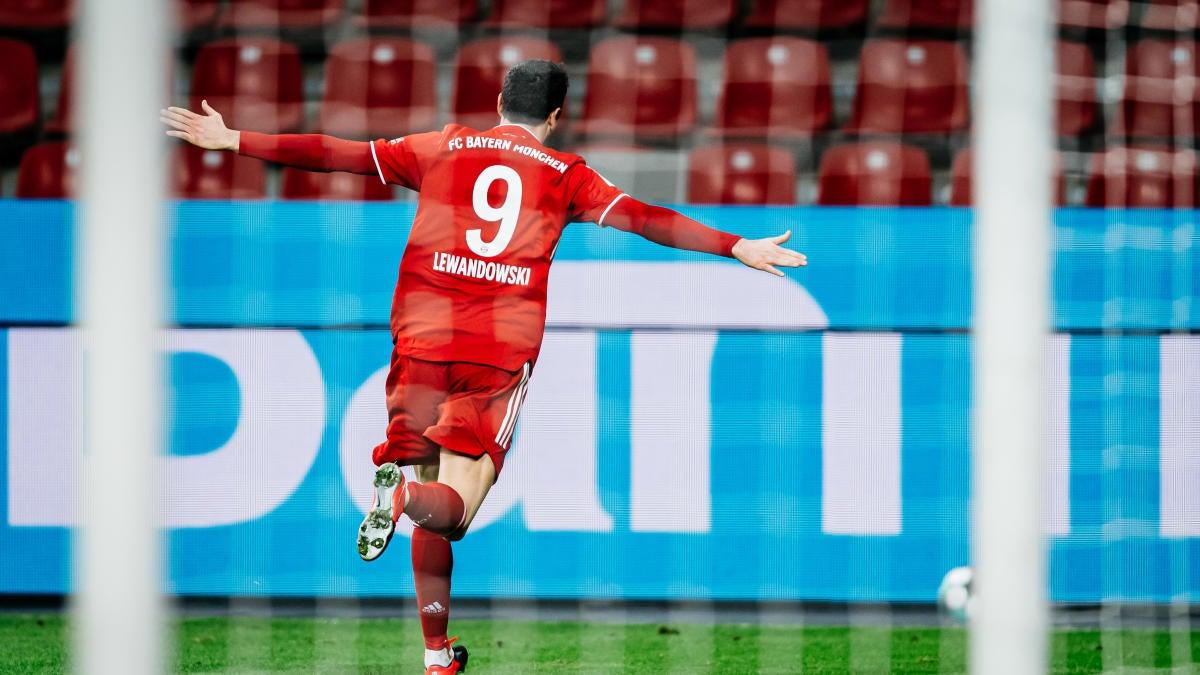 Bayer Leverkusen vs. Bayern Munich score: Lewandowski leads comeback as  German giants regain top spot - CBSSports.com