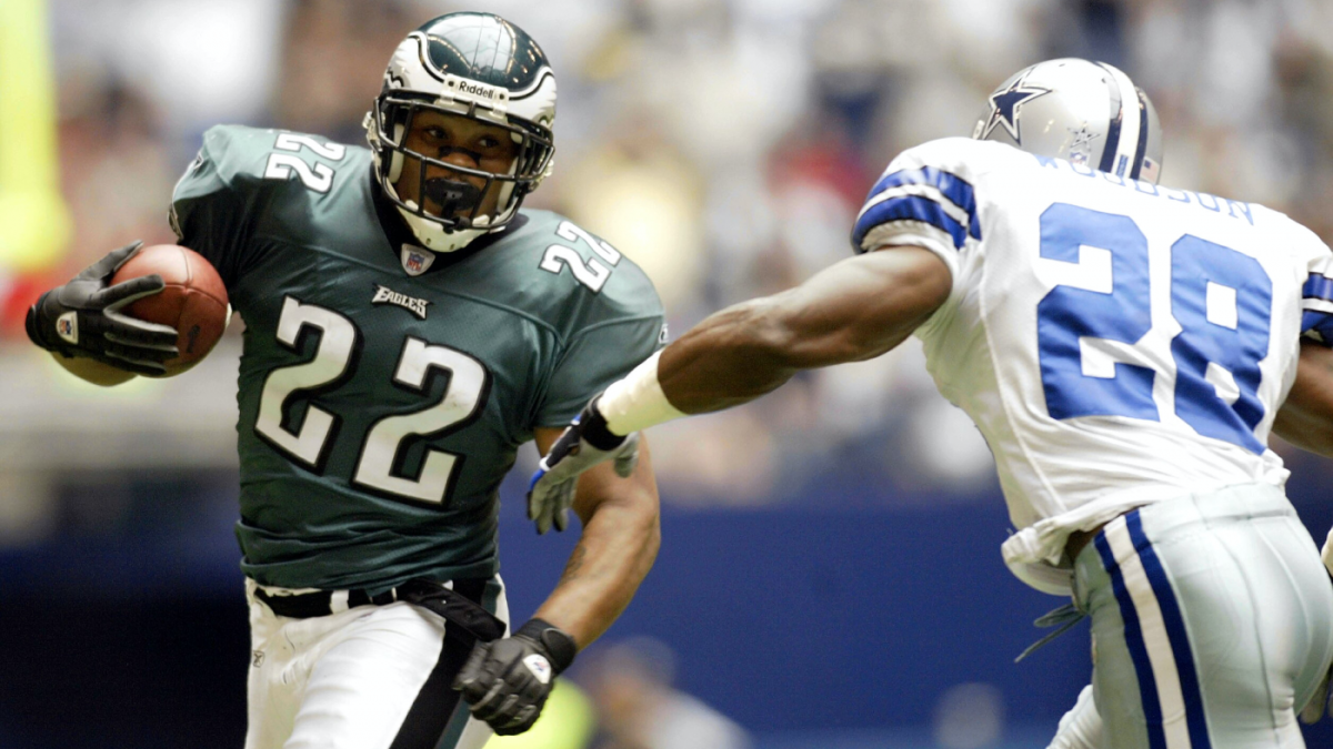 Eagles interview longtime assistant coach, former running back Duce Staley for head coach vacancy, per report