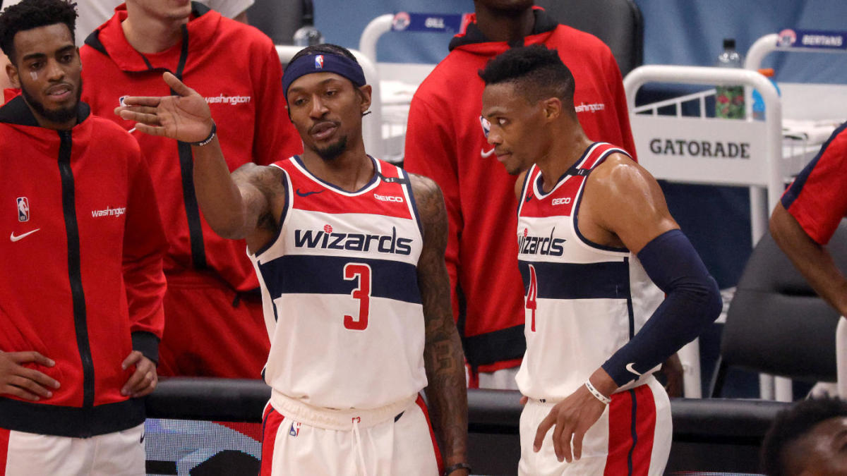 Wizards' 0-4 start leaves Russell Westbrook frustrated on bench, Bradley Beal avoiding media thumbnail