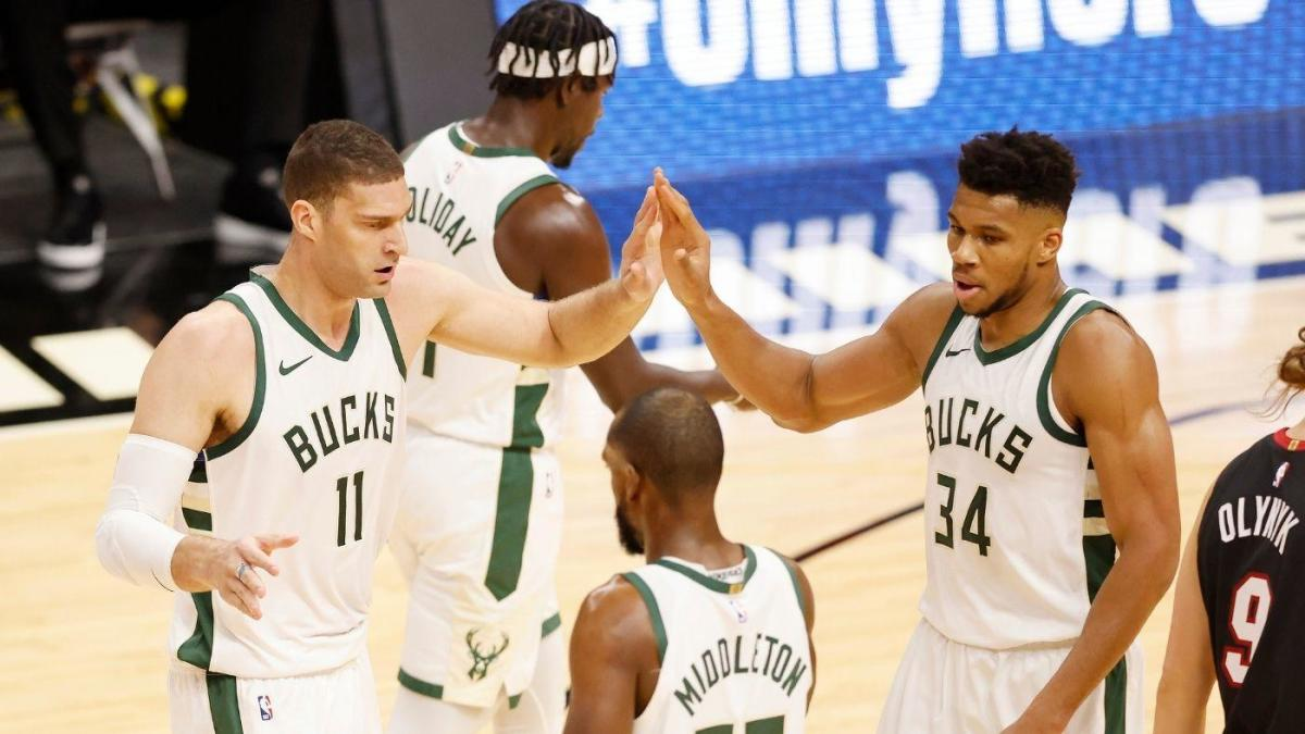 Bucks set single-game NBA record with 29 made 3-pointers in dominant win against Heat – CBS Sports