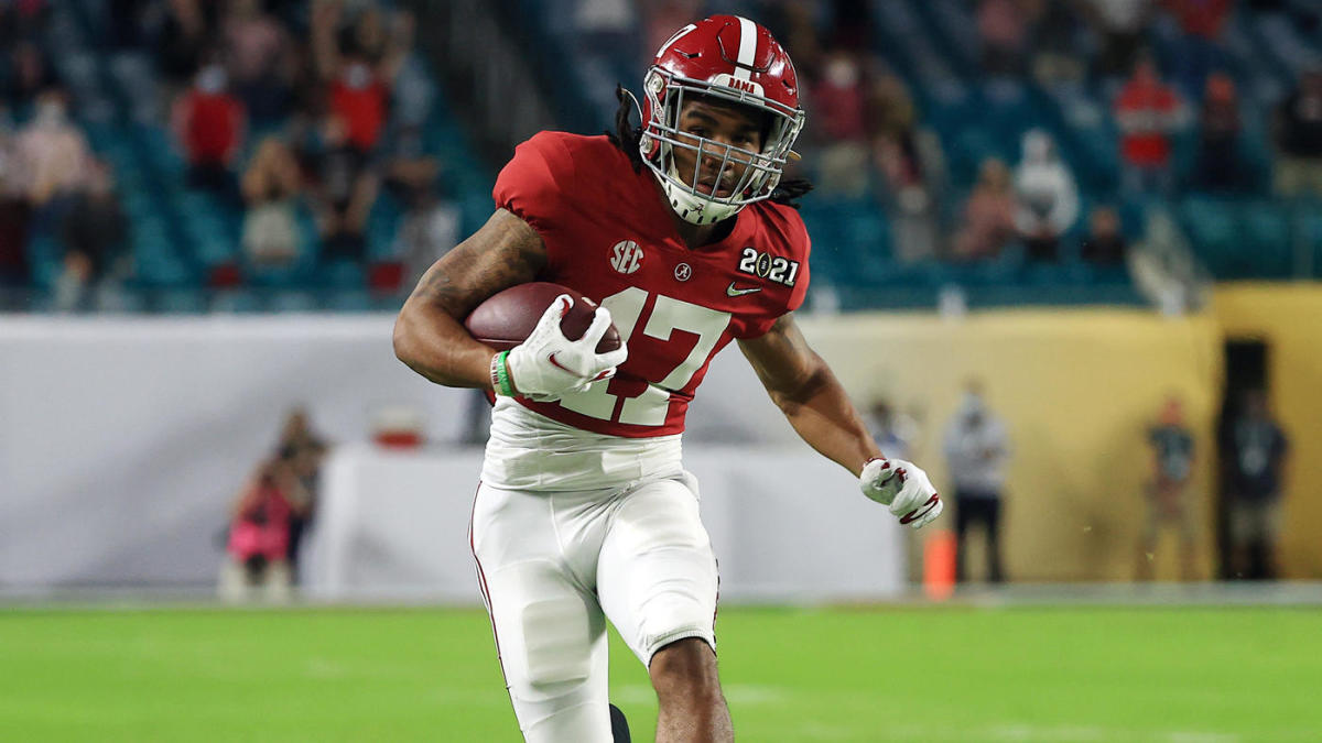 Alabama star WR Jaylen Waddle battles through ankle injury to contribute in  CFP National Championship - CBSSports.com