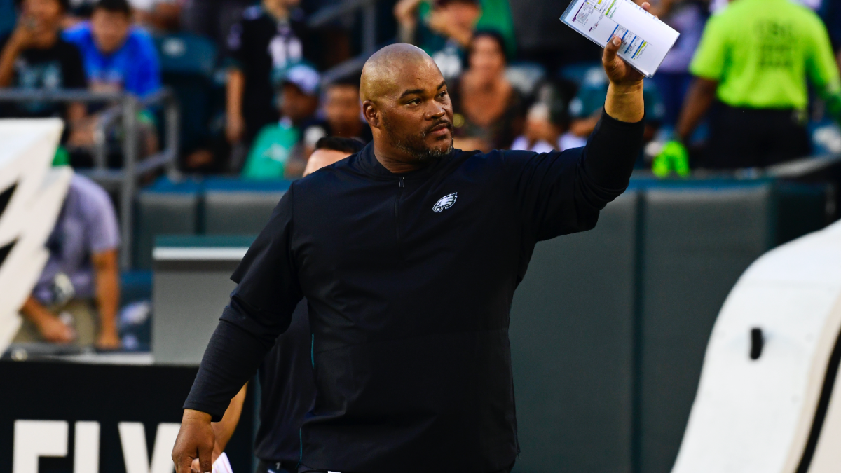 Longtime Eagles assistant, former RB Duce Staley asks to be released from his contract, per report