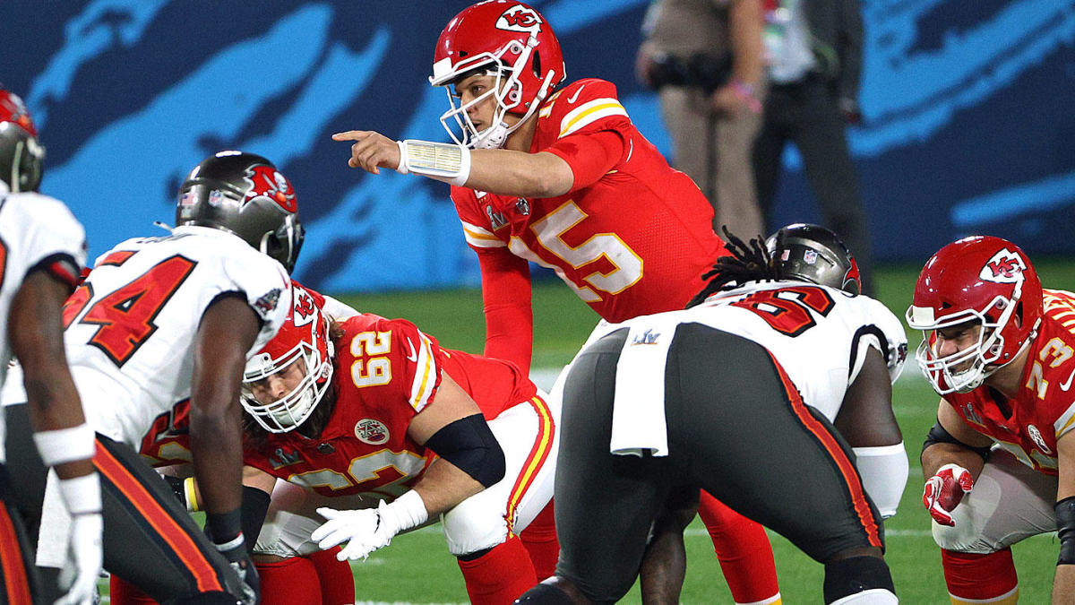 NFL win totals, odds set for all 32 teams ahead of inaugural 17-game season: Chiefs, Bucs at top