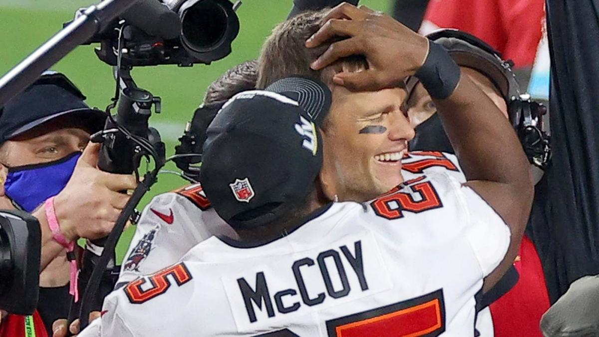 Tom Brady helps LeSean McCoy join short list of Super Bowl winners who have pulled off this rare feat - CBS Sports
