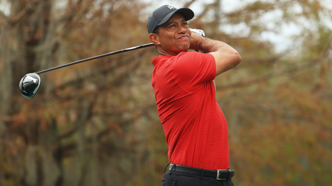 Tiger Woods Seriously Injured In Car Accident But Awake Responsive And Recovering After Right Leg Surgery Cbssports Com