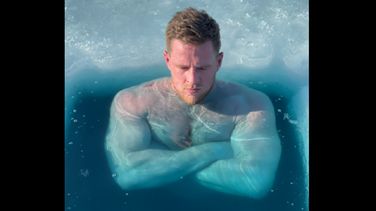 LOOK: J.J. Watt and brothers T.J. and Derek set up outdoor ice bath, share photos of freezing experience