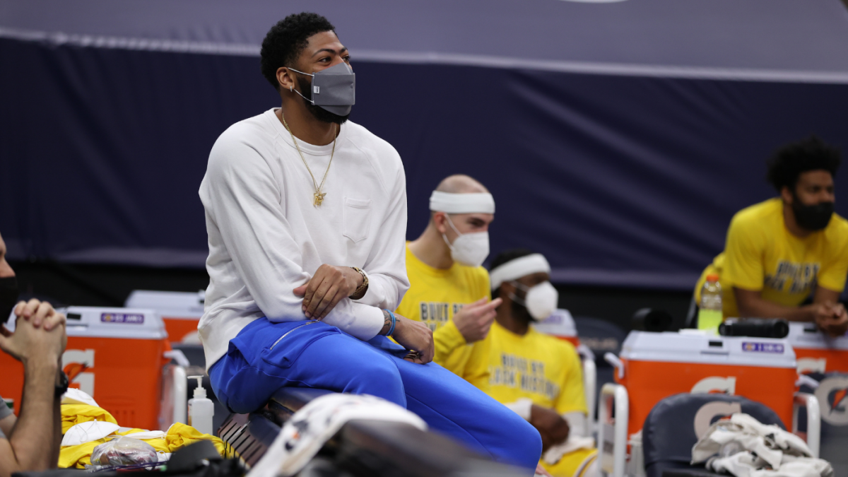 <p>Anthony Davis injury Upgrade: Lakers star cleared to advance court work, but return doesn't appear imminent thumbnail