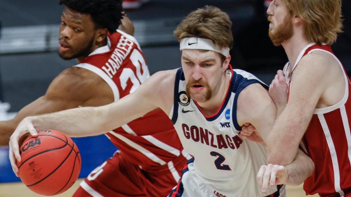 Dribble Handoff: ¿Quién será el jugador de baloncesto universitario del año en la temporada 2021-22?
