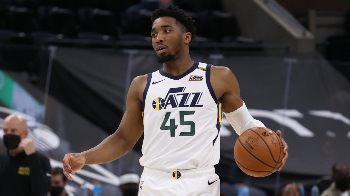 <p>Donovan Mitchell injury update: Jazz star out Rest of regular season with sprained right ankle thumbnail