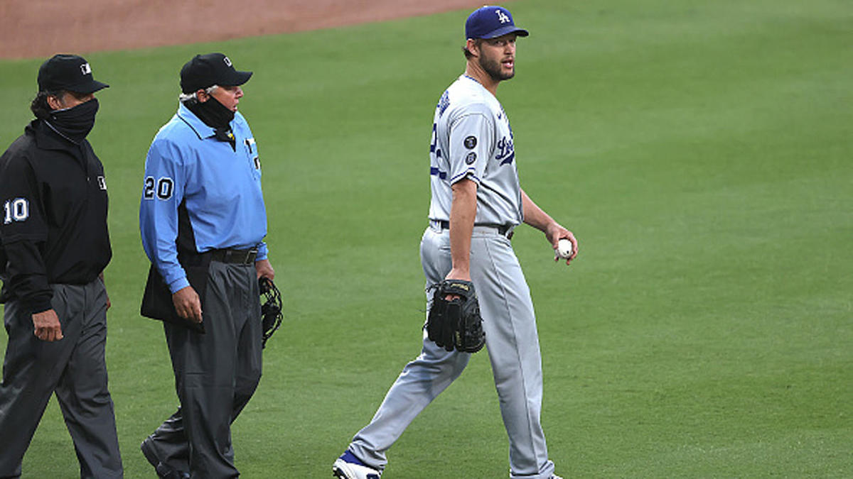 Dodgers vs. Padres: Controversial call, tempers flare, dueling pitchers and unreal Mookie Betts ending - CBS Sports