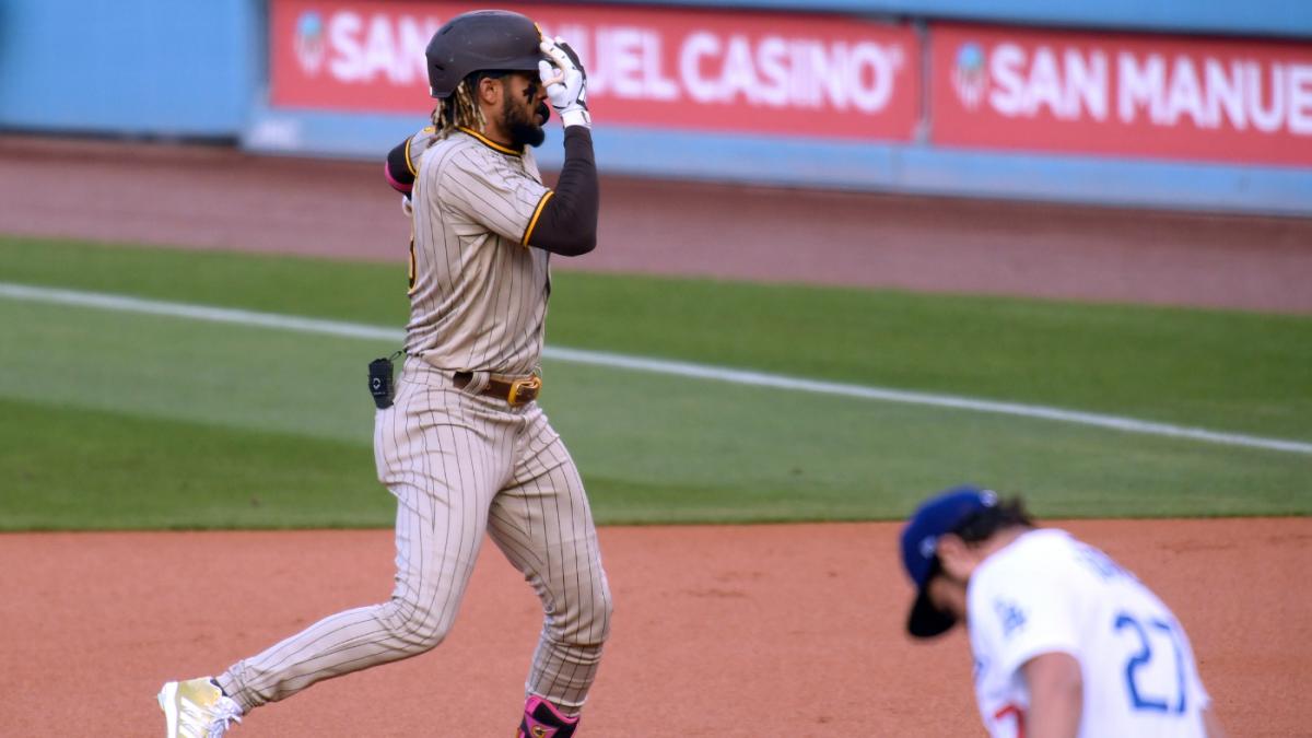 Padres' Fernando Tatis Jr. homers twice against Trevor Bauer mocks Dodgers pitcher with one-eye celebration – CBS Sports