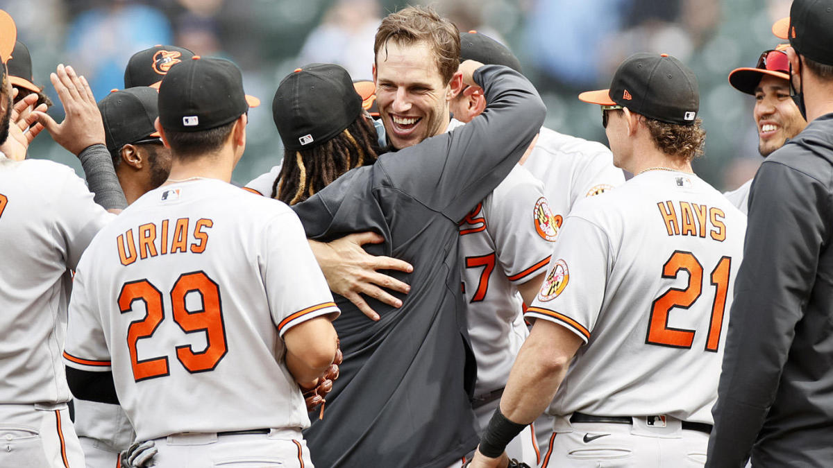 Orioles' John Means throws no-hitter vs. Mariners -- and just misses out on perfect game