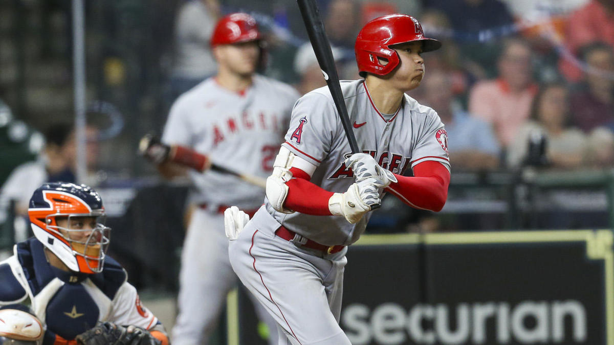 Two-way star Shohei Ohtani pitches gem, plays outfield, makes history in Angels' loss to Astros - CBSSports.com