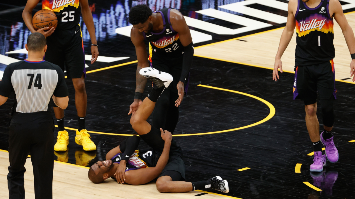 Suns vs. Lakers: Chris Paul leaves Game 5 with apparent shoulder injury – CBS Sports