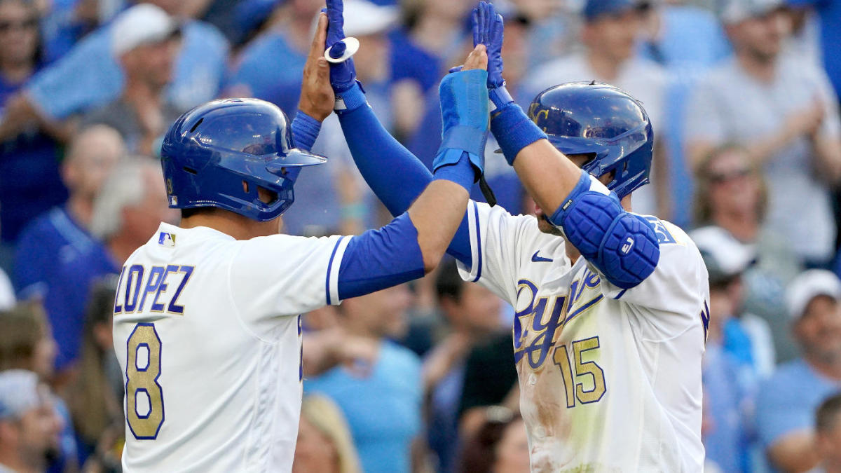 Royals score nine runs vs. Twins in one of the biggest first innings in  franchise history - CBSSports.com