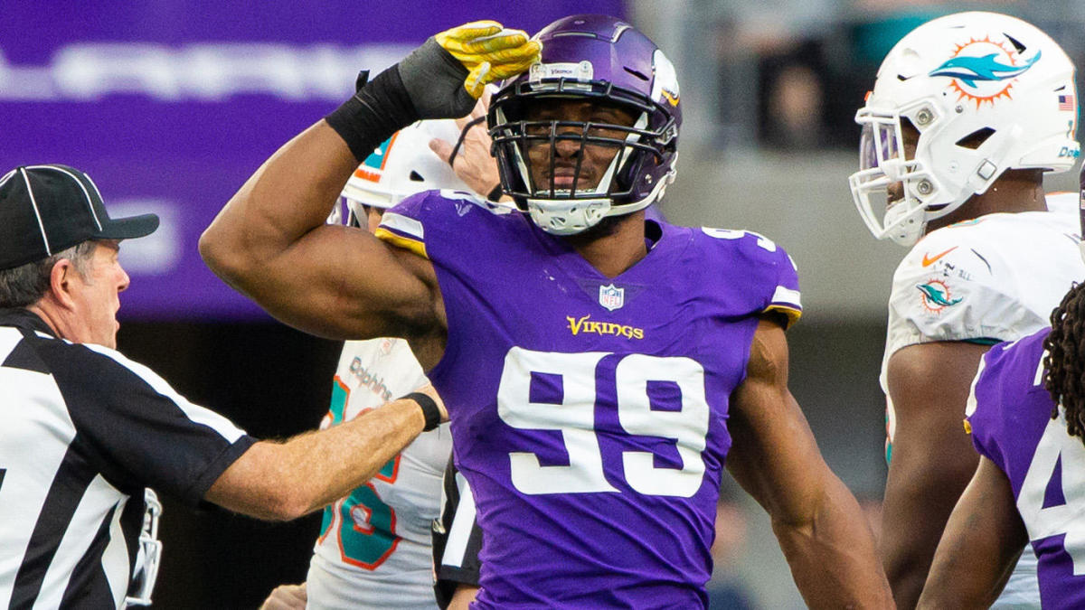 Danielle Hunter Vikings agree to revised deal clearing way for Pro Bowl DE to attend minicamp per report – CBS Sports