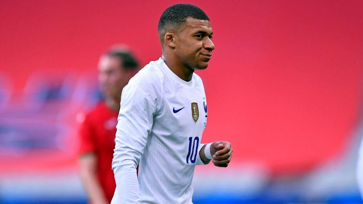 Despite Mbappe and Giroud tension, favorites France ready for Germany