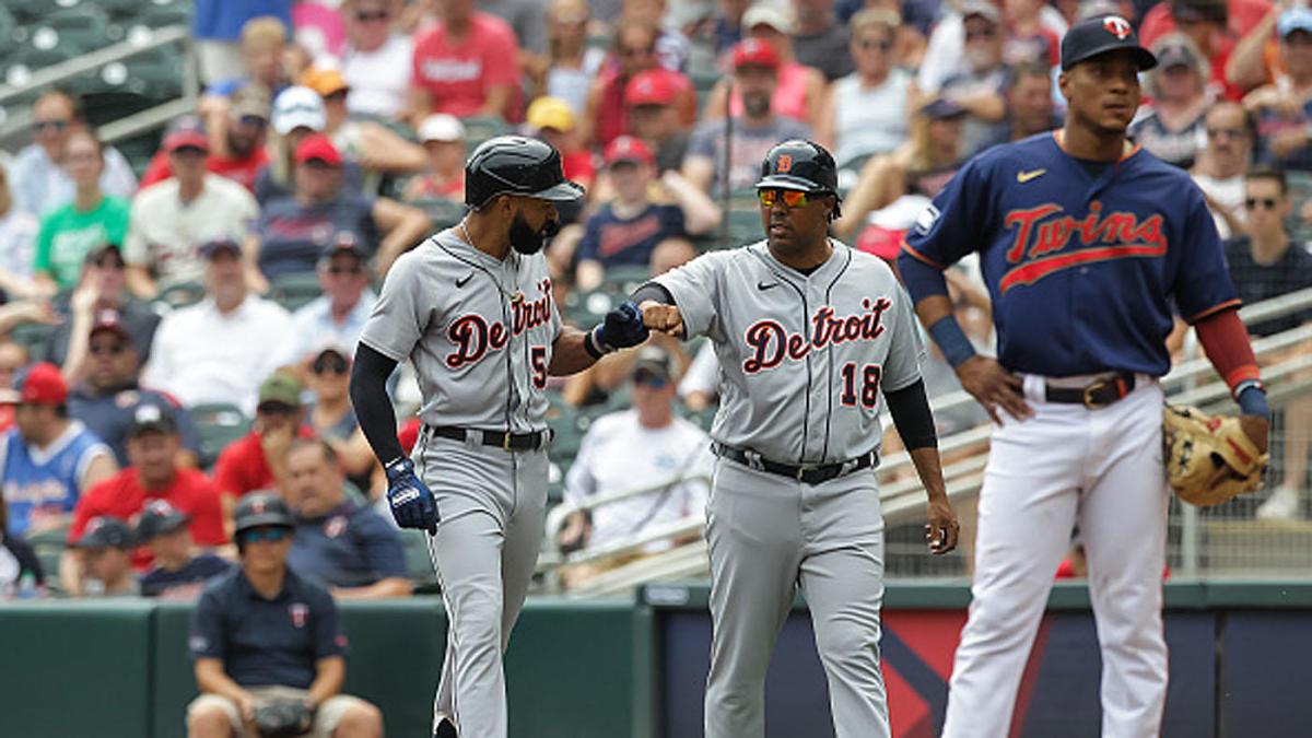 Tigers make MLB history in 17-14 victory over Twins; first team to be outhomered by seven and win